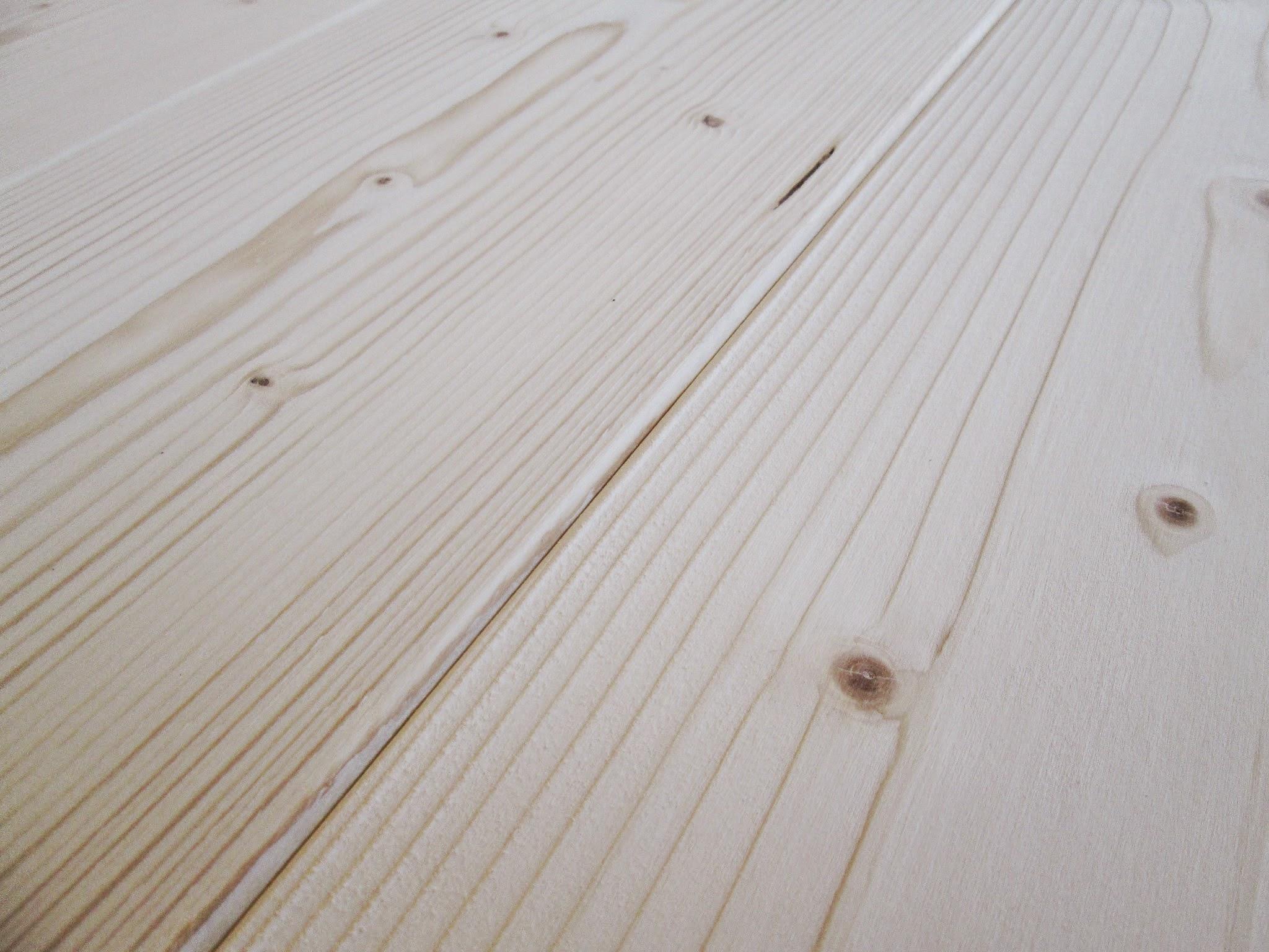 Perlina abete spazzolata for Rivestimento perline legno bianco